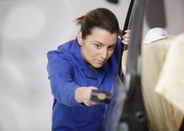 Comment réparer la porte d'une voiture bloquée? Conseils à suivre