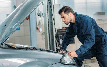 Quelles sont les causes du bruit sous le capot de voiture